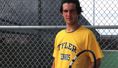 Eizember signs to play college tennis