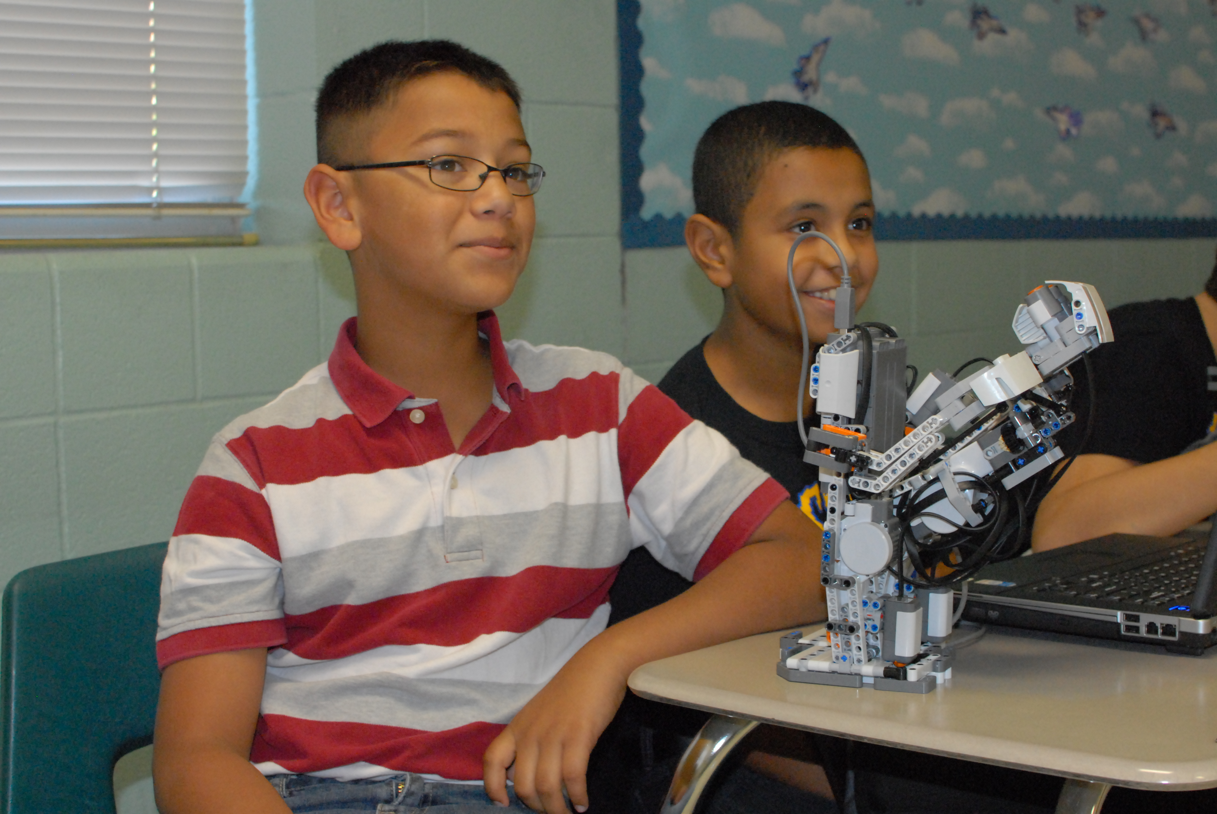 Gutierrez students get crash course in robotics