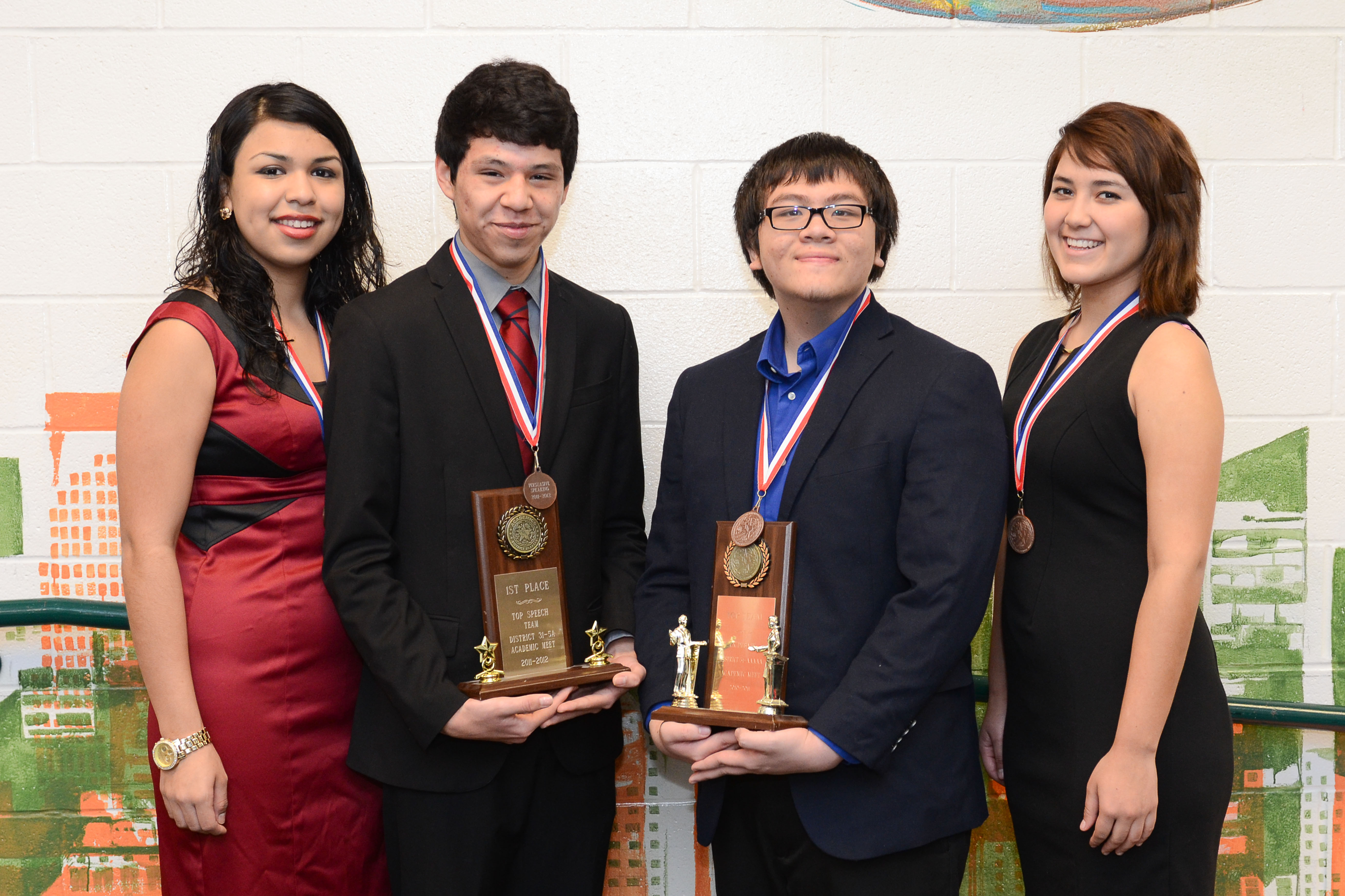HHSS Speech, Drama and Debate earn top spots during district meet