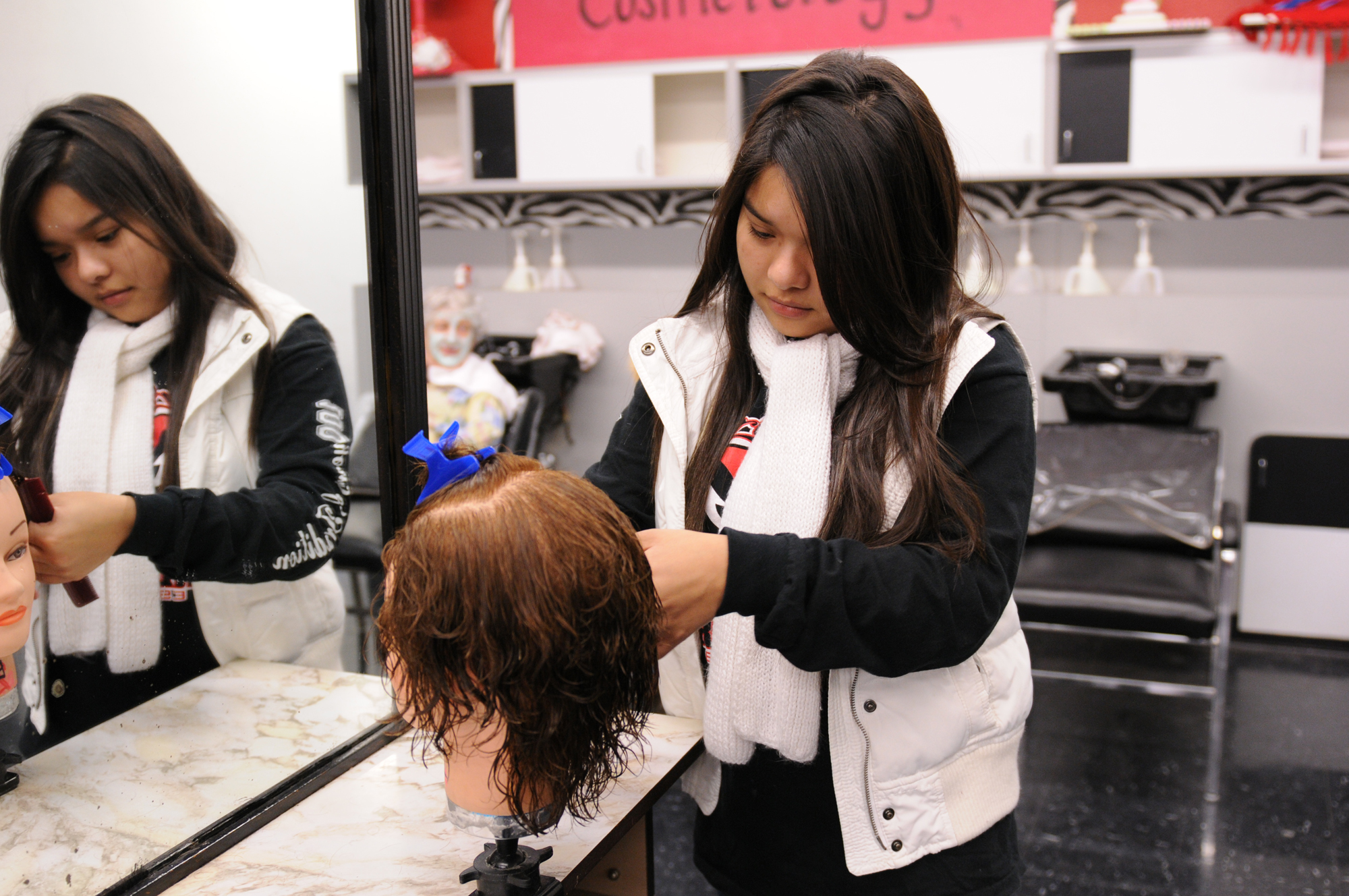 Cosmetology class creates career pathways for HCISD students