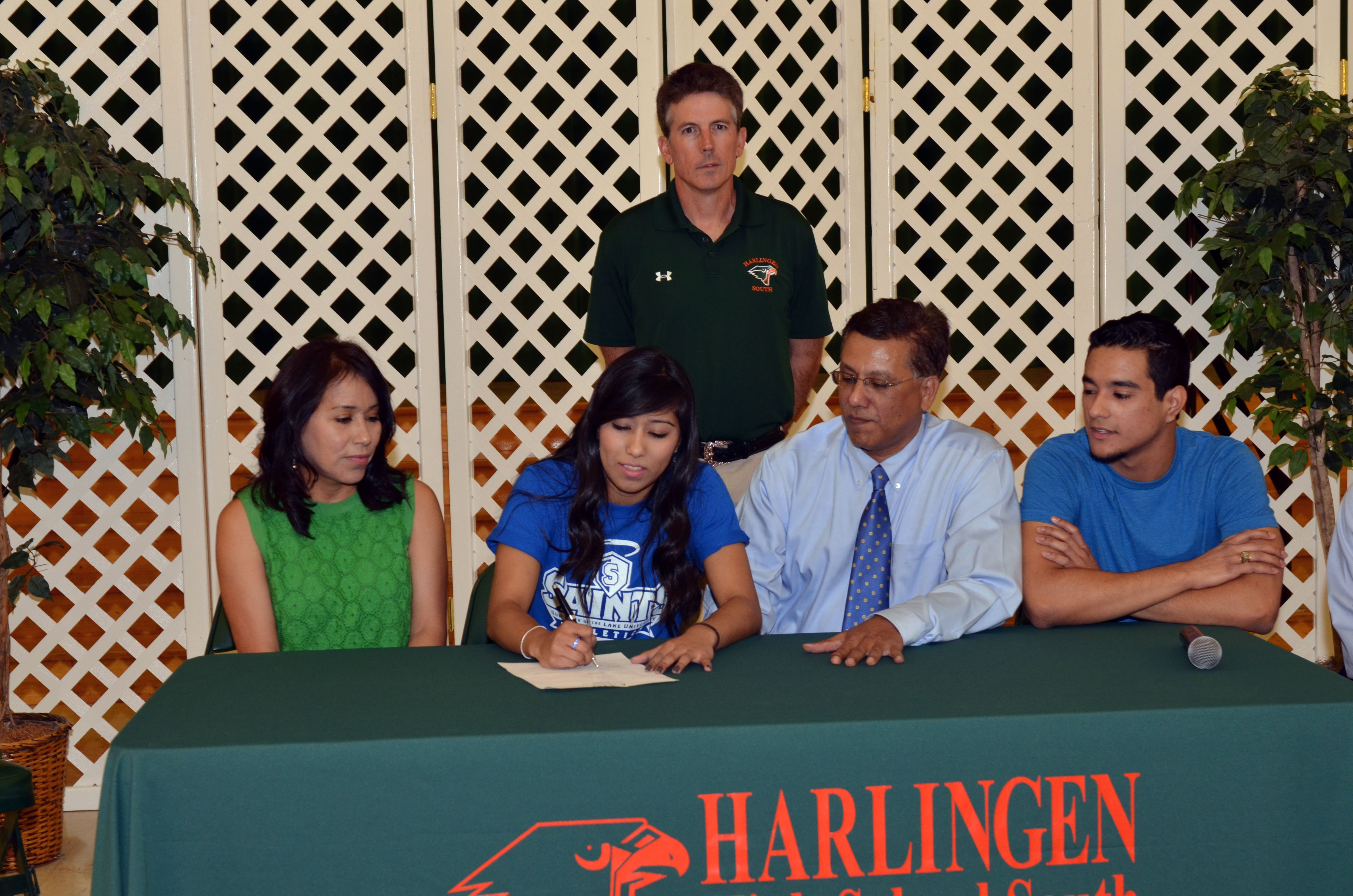 HHSS athletes continue athletic careers