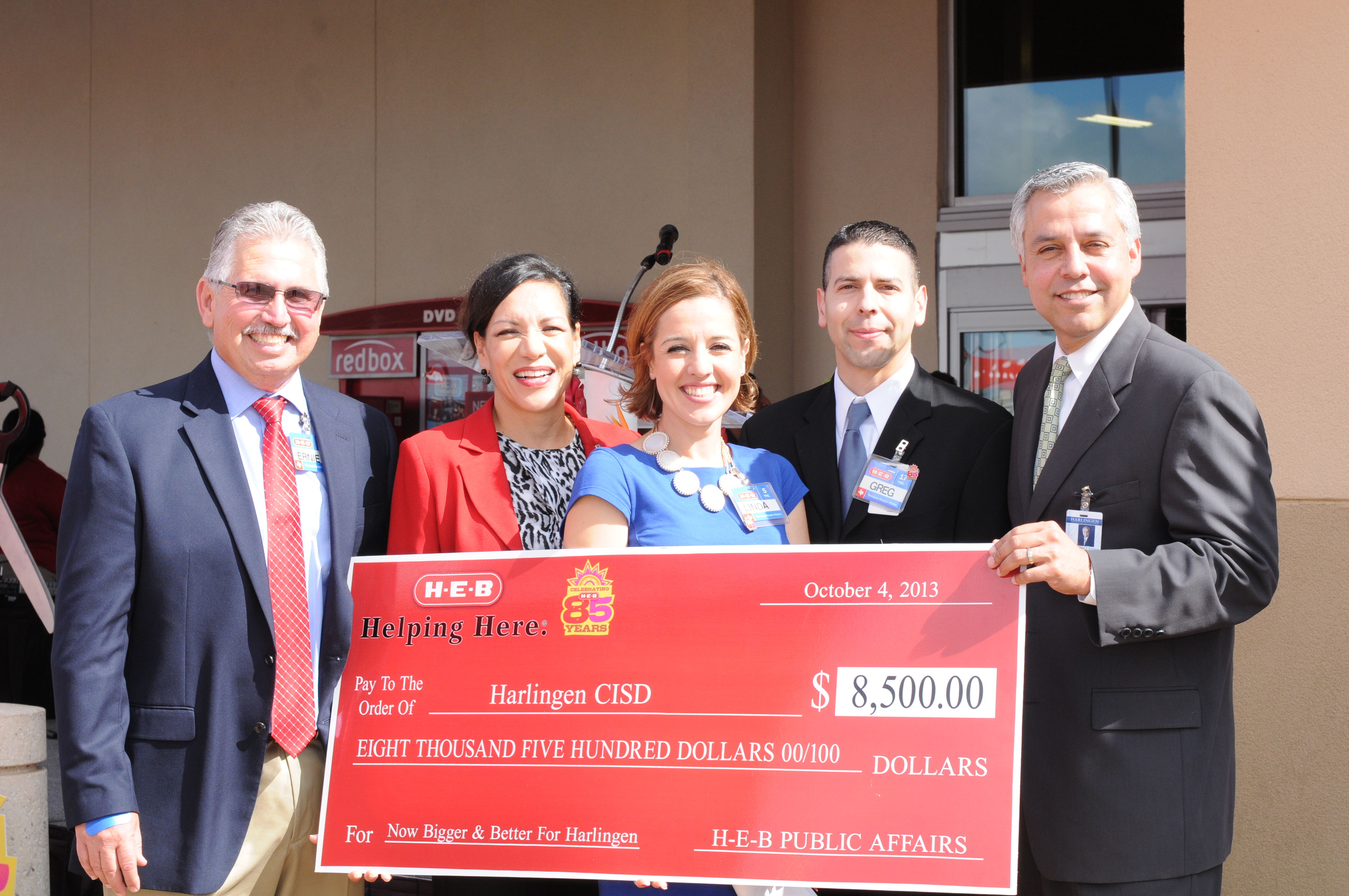 HEB donates $8,500 for district digital initiatives