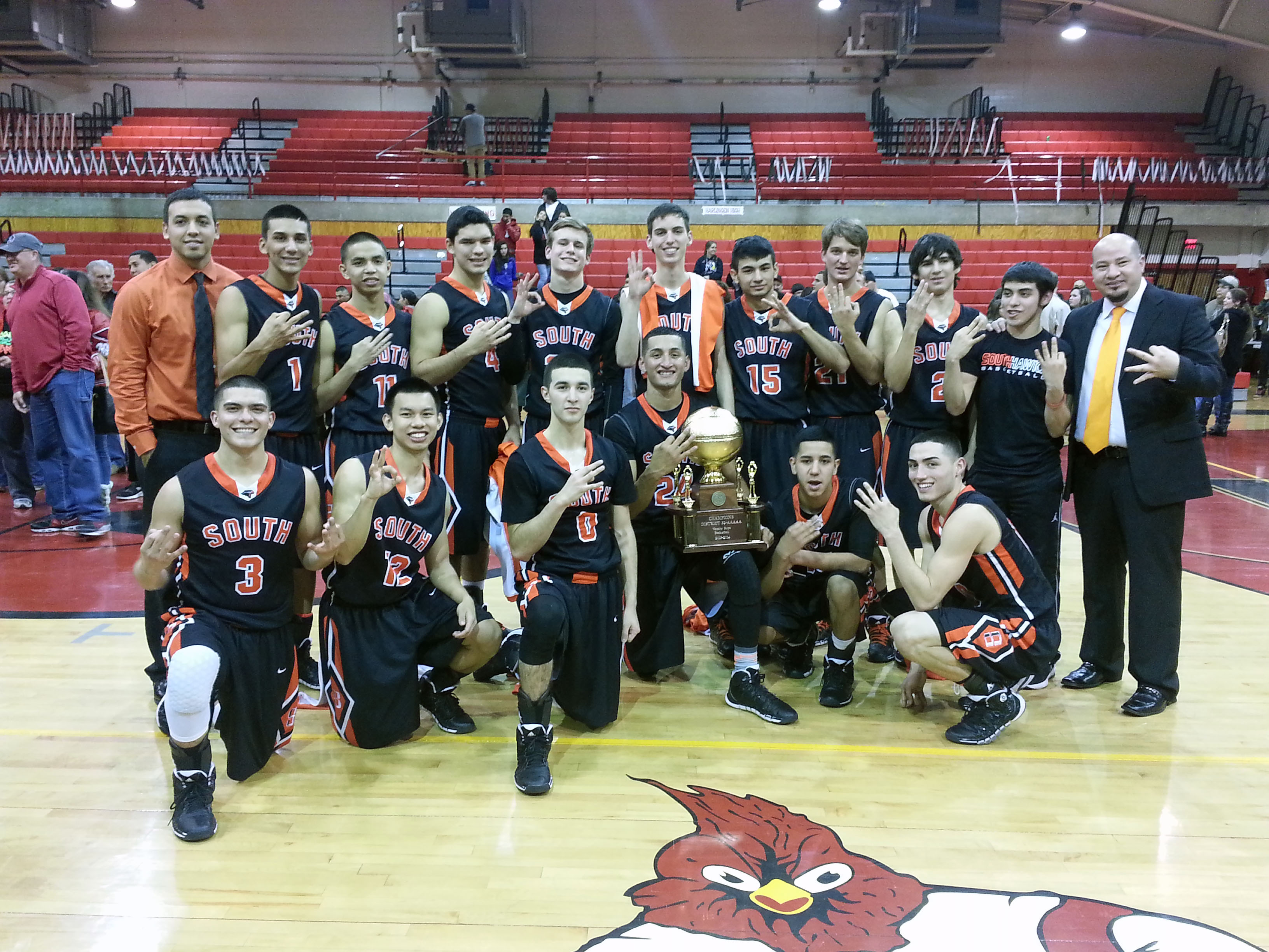 HHSS Boys Basketball team clinches 32-5A District Championship