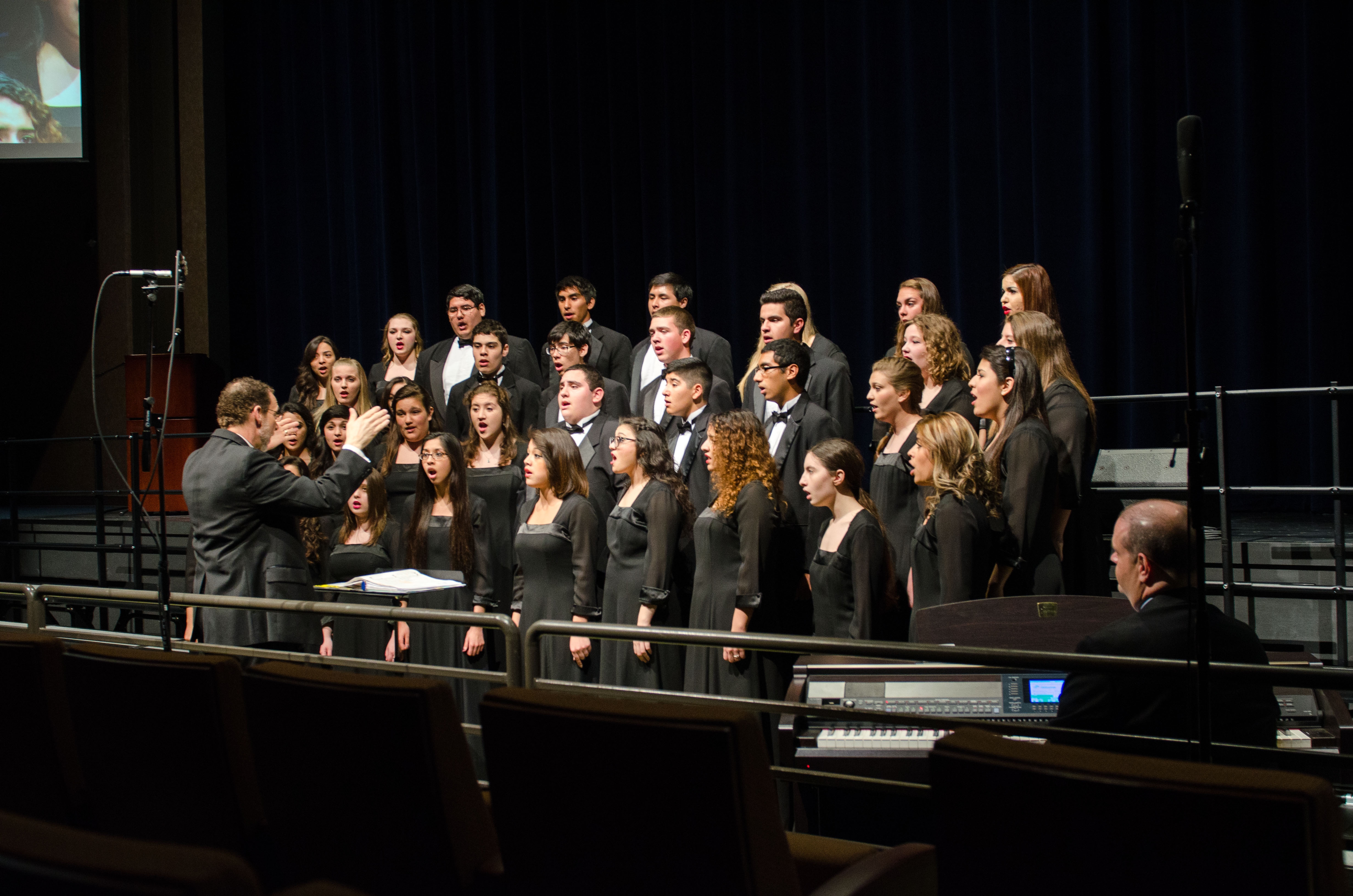 HCISD fine arts students celebrate inaugural year of Performing Arts Center