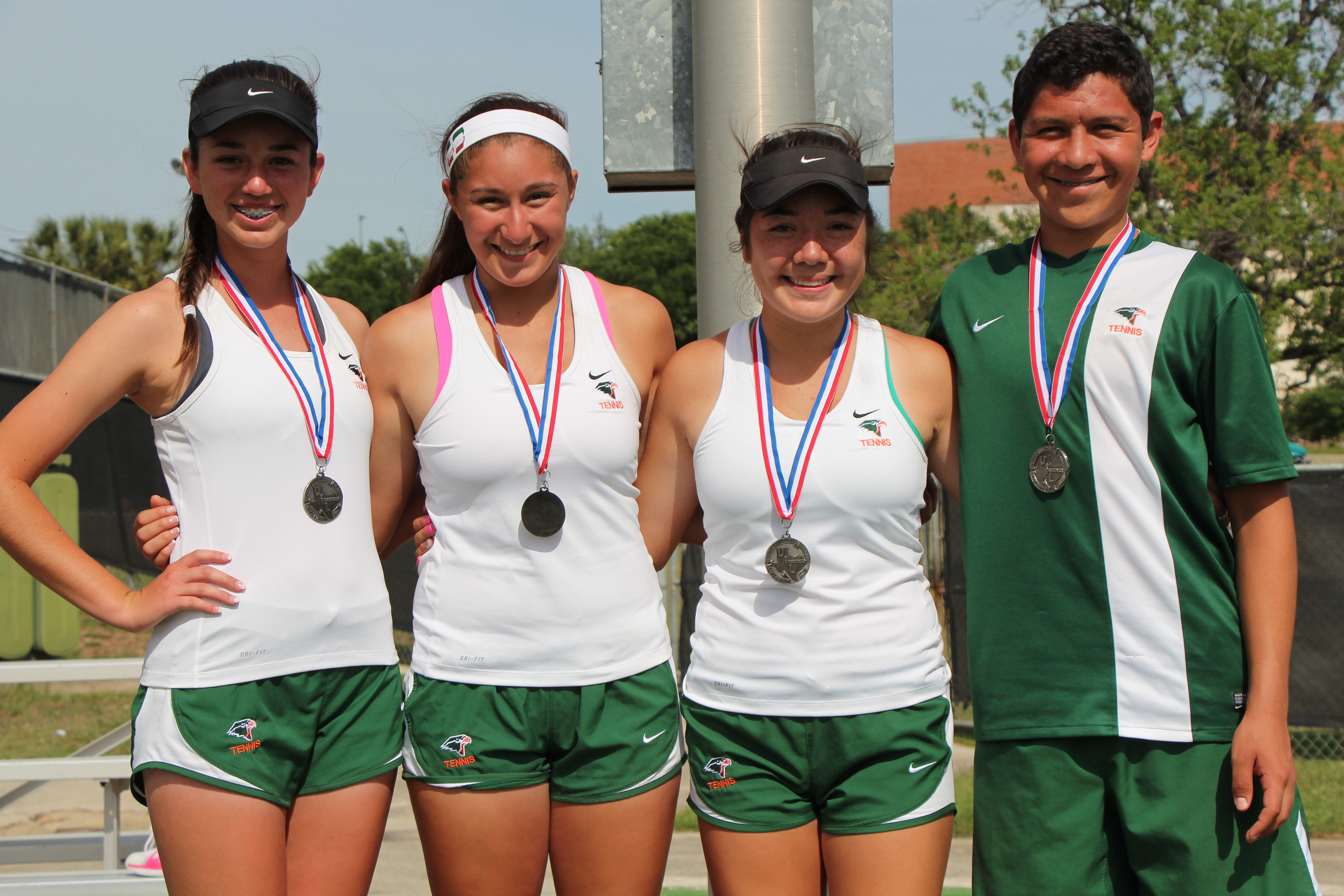 HHSS tennis players qualify for state tournament