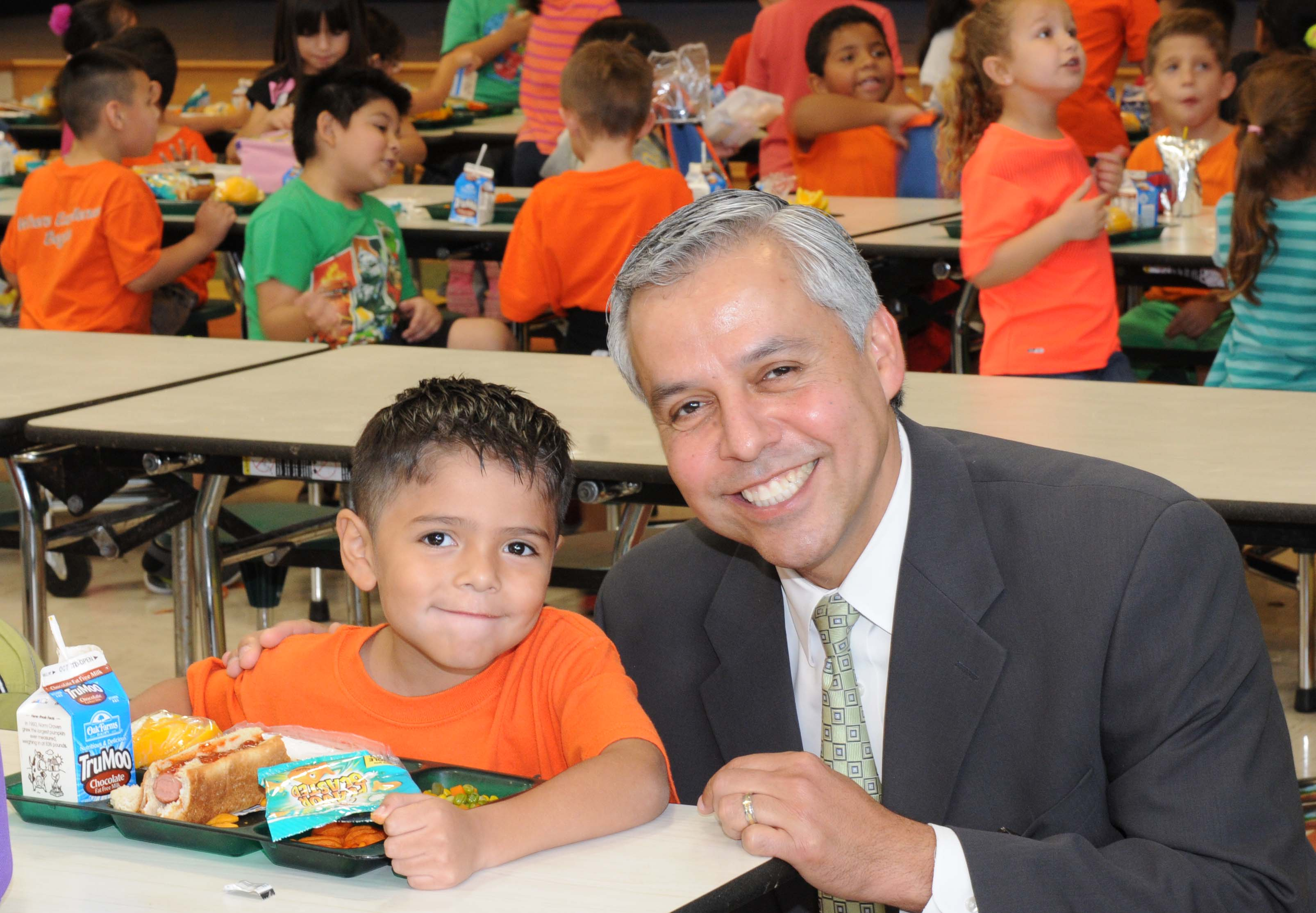 HCISD Board of Trustees approve free breakfast and lunch program for all students, program to start during the 2014 – 2015 school year