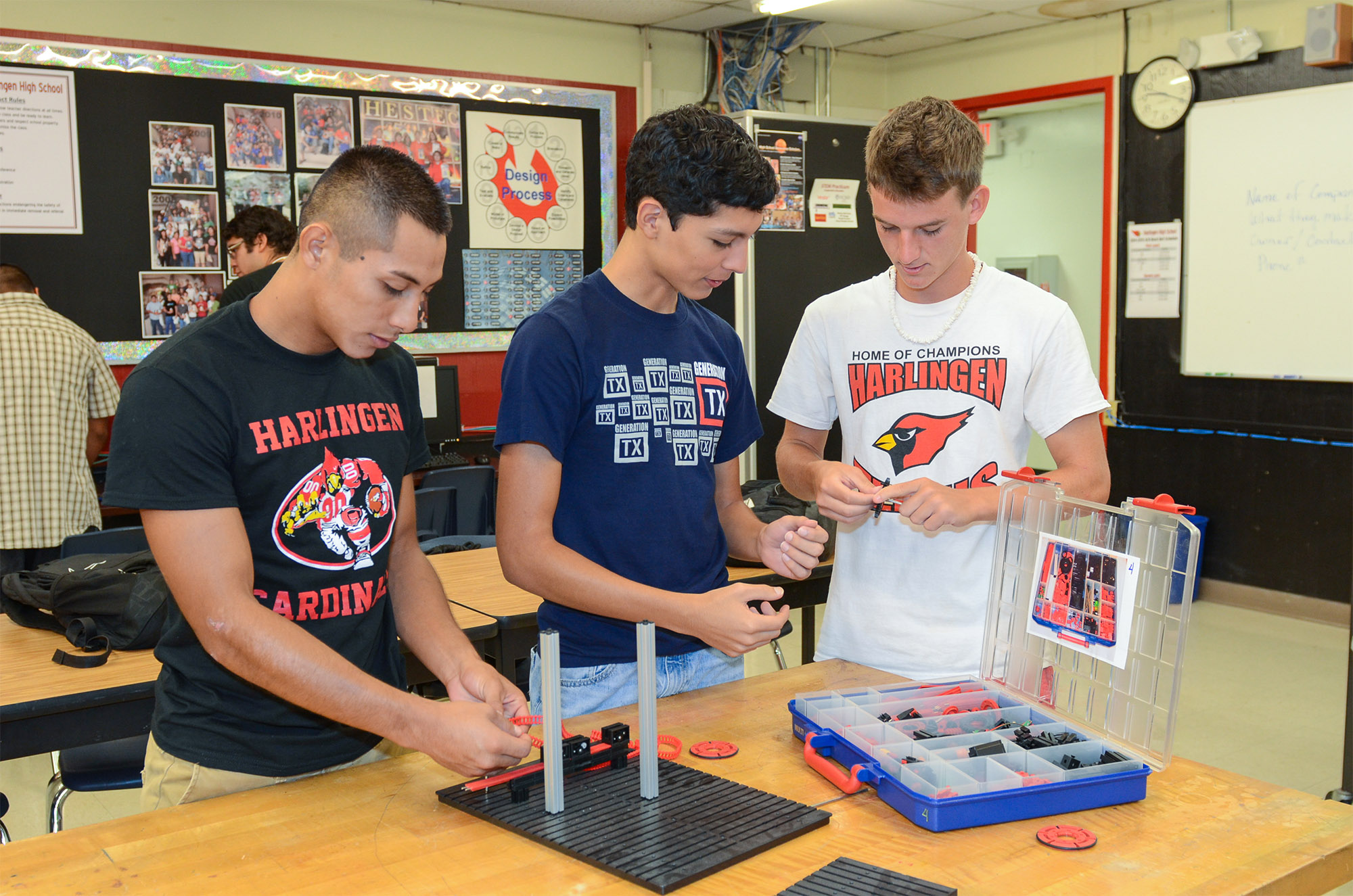 Project Lead the Way accredits HCISD Engineering Program
