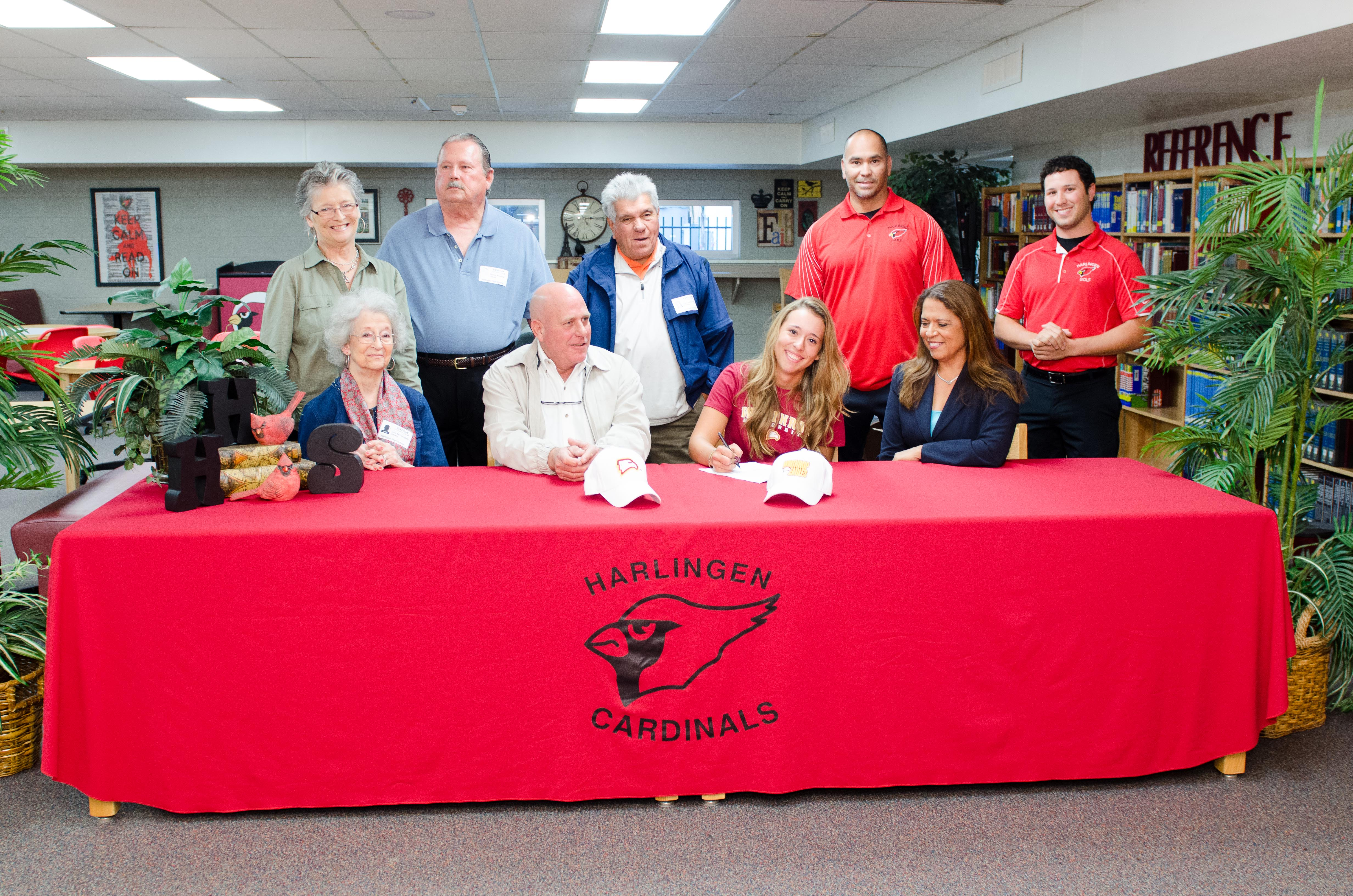 HHS golf player signs with Winthrop University