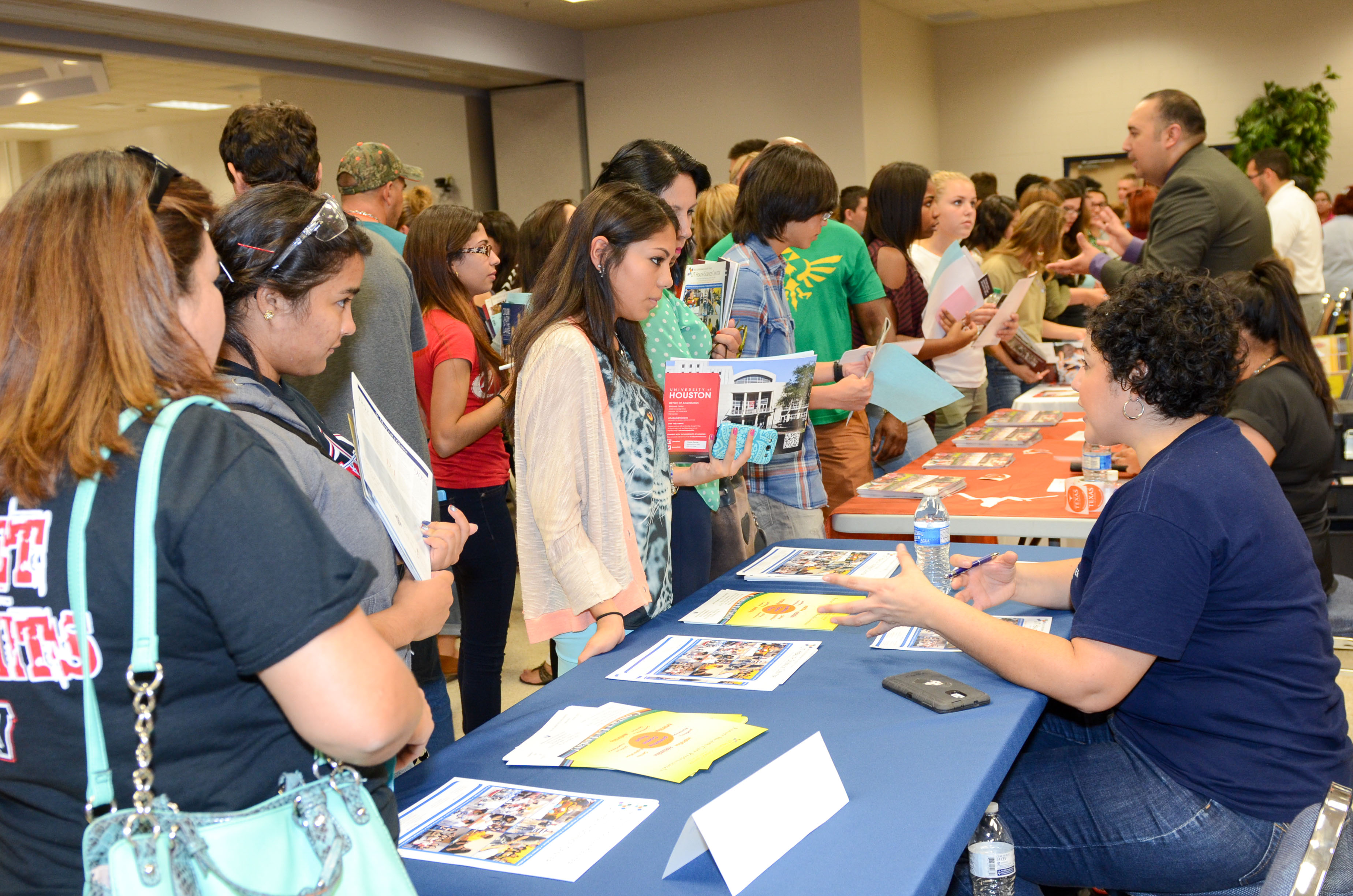HCISD seniors and parents invited to attend informational session on financial aid