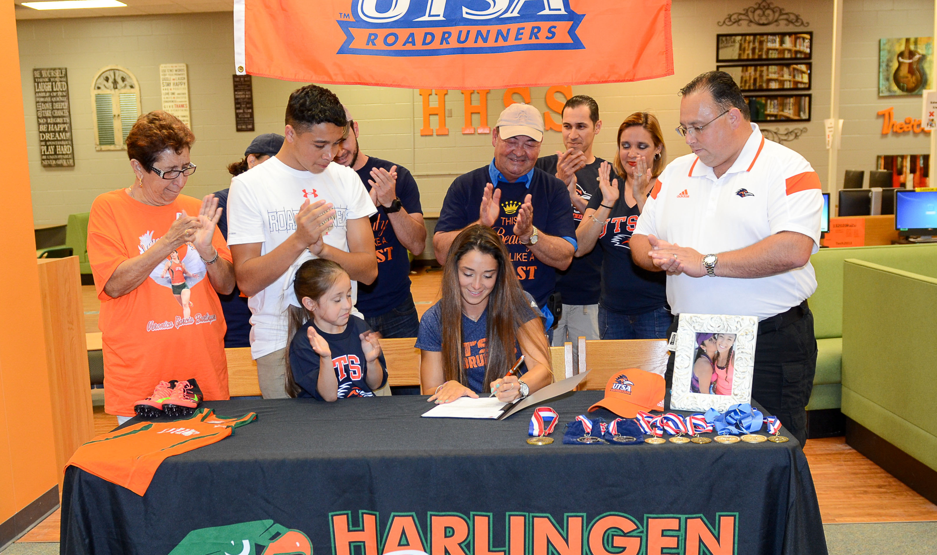 Harlingen South's Cierra Pena signs to run track for UTSA
