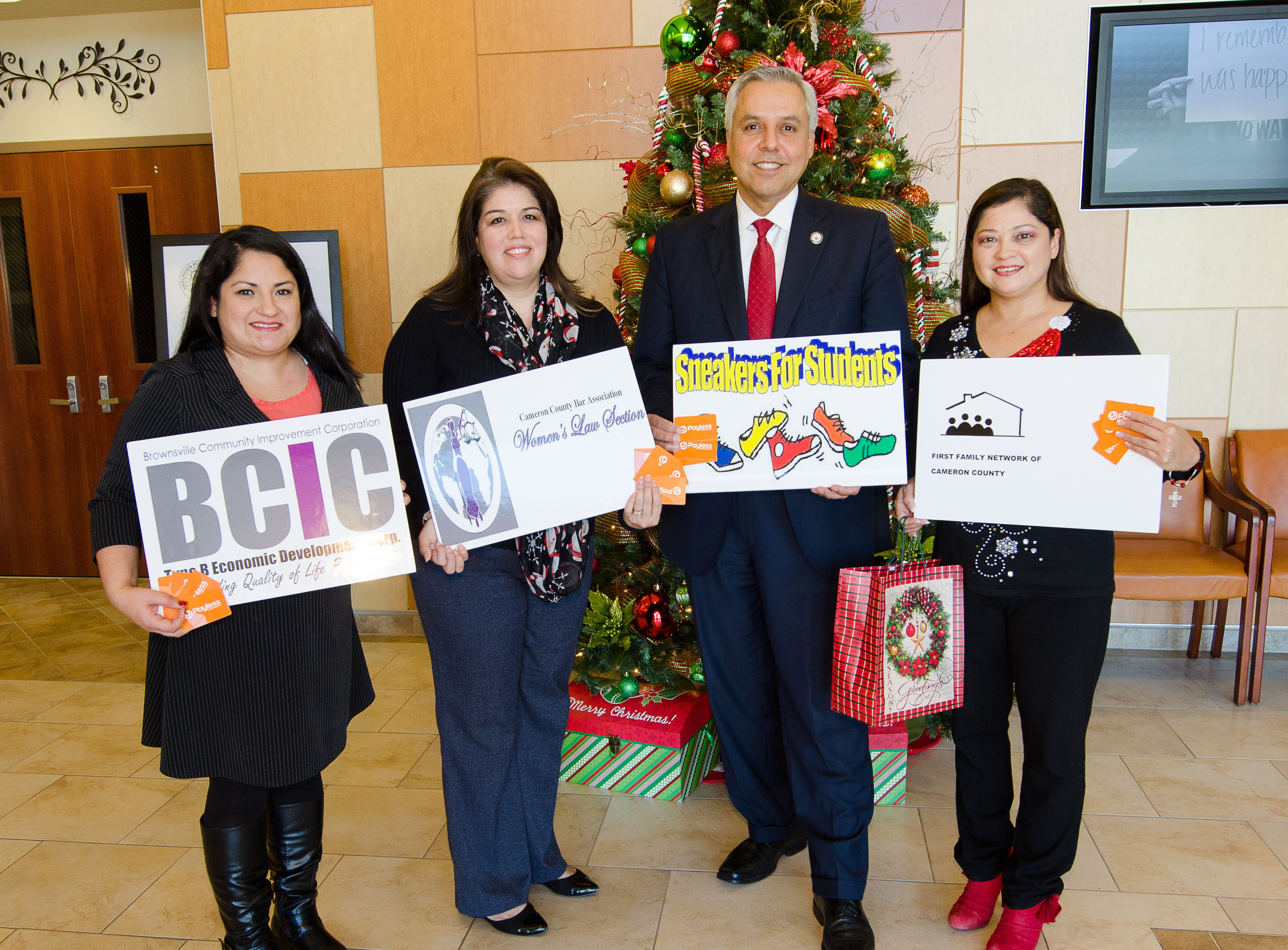 Women's law section donates 268 vouchers for the purchase of new shoes for students