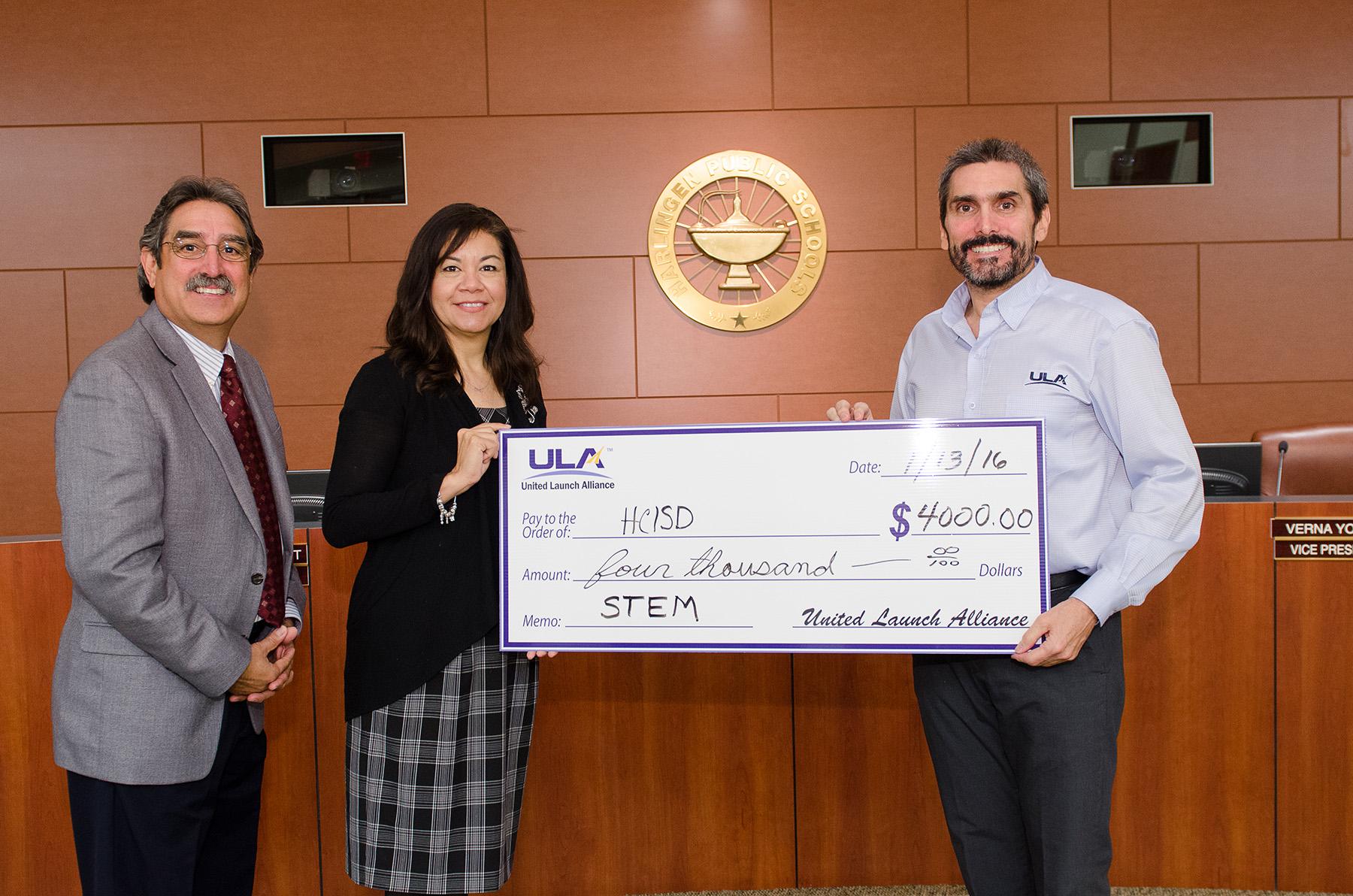 ULA donates $4,000 to elementary STEM
