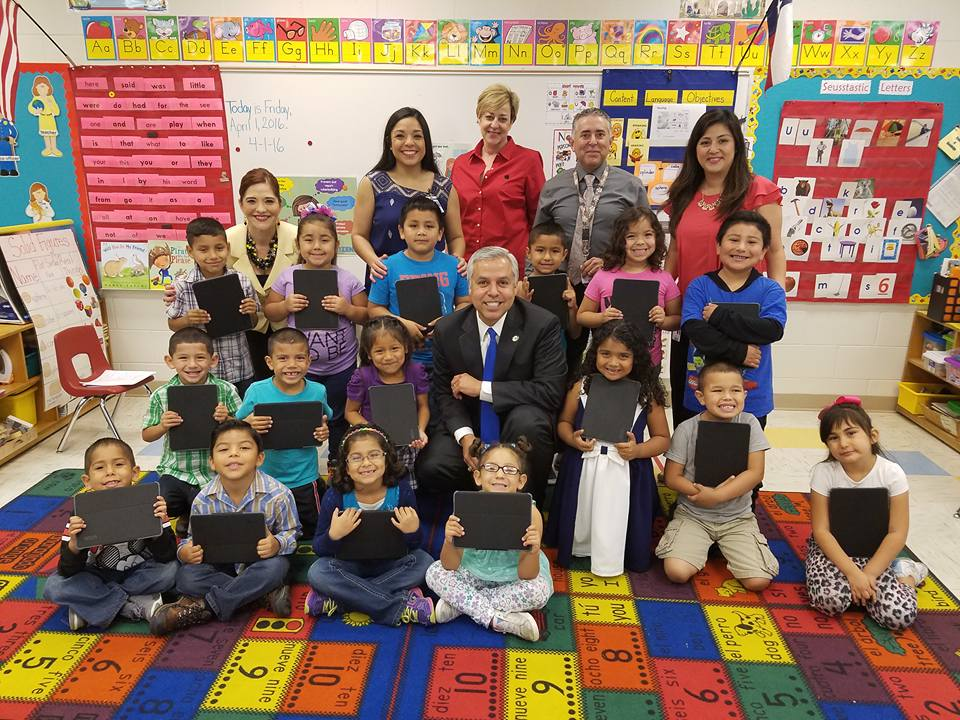 ConnectED Grant puts iPads in the hands of every Zavala student