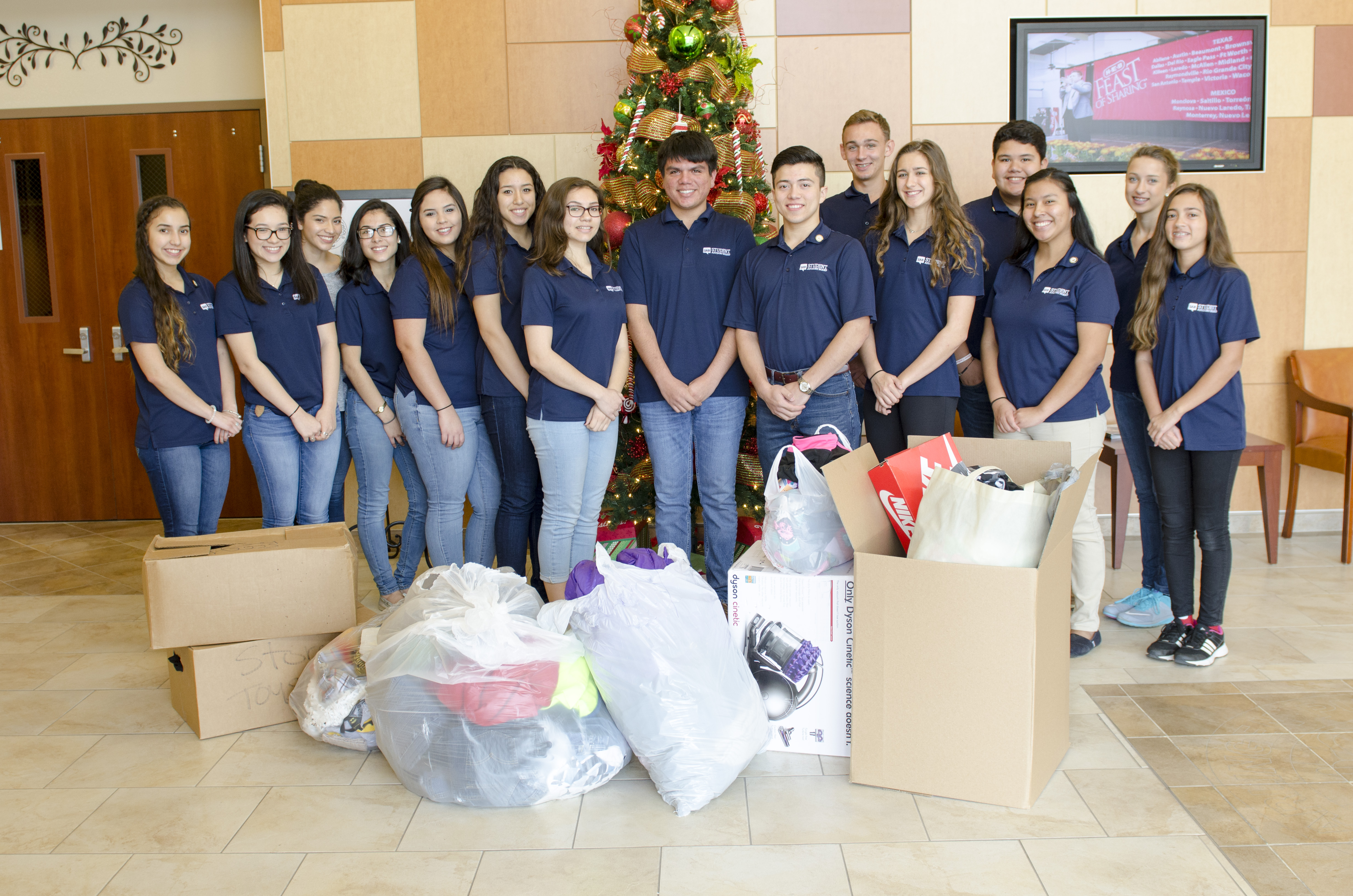 Student Advisory Board hosts clothing drive for Maggie's House