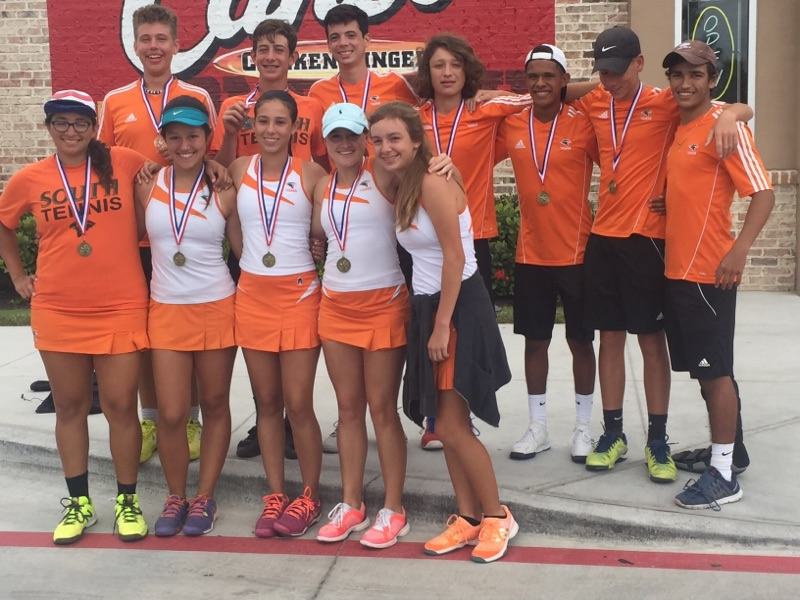 Hawks dominate at District 32-6A tennis tournament, HS teams advance to regionals