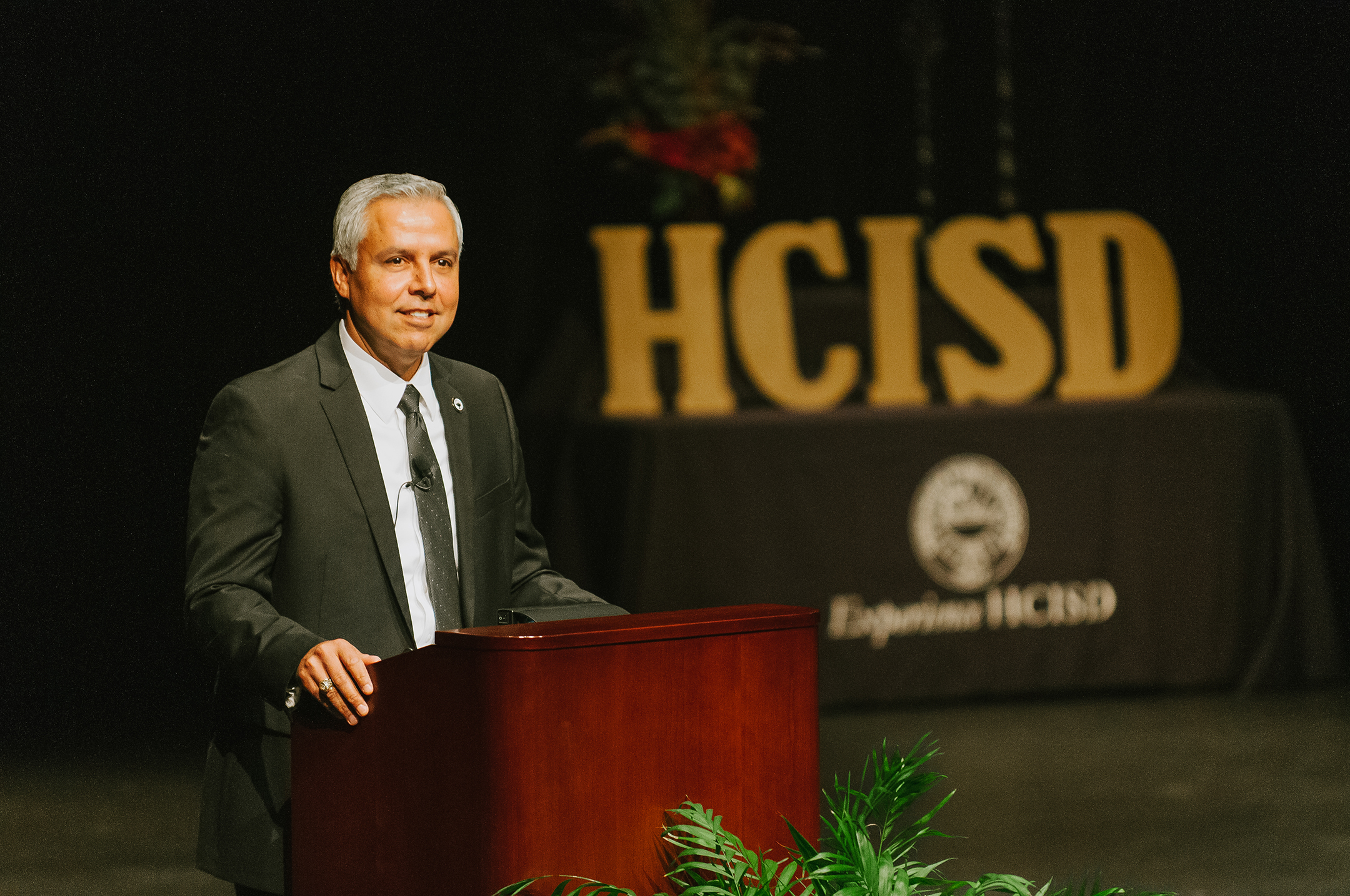 Dr. Cavazos named 2017 Regional Superintendent of the Year