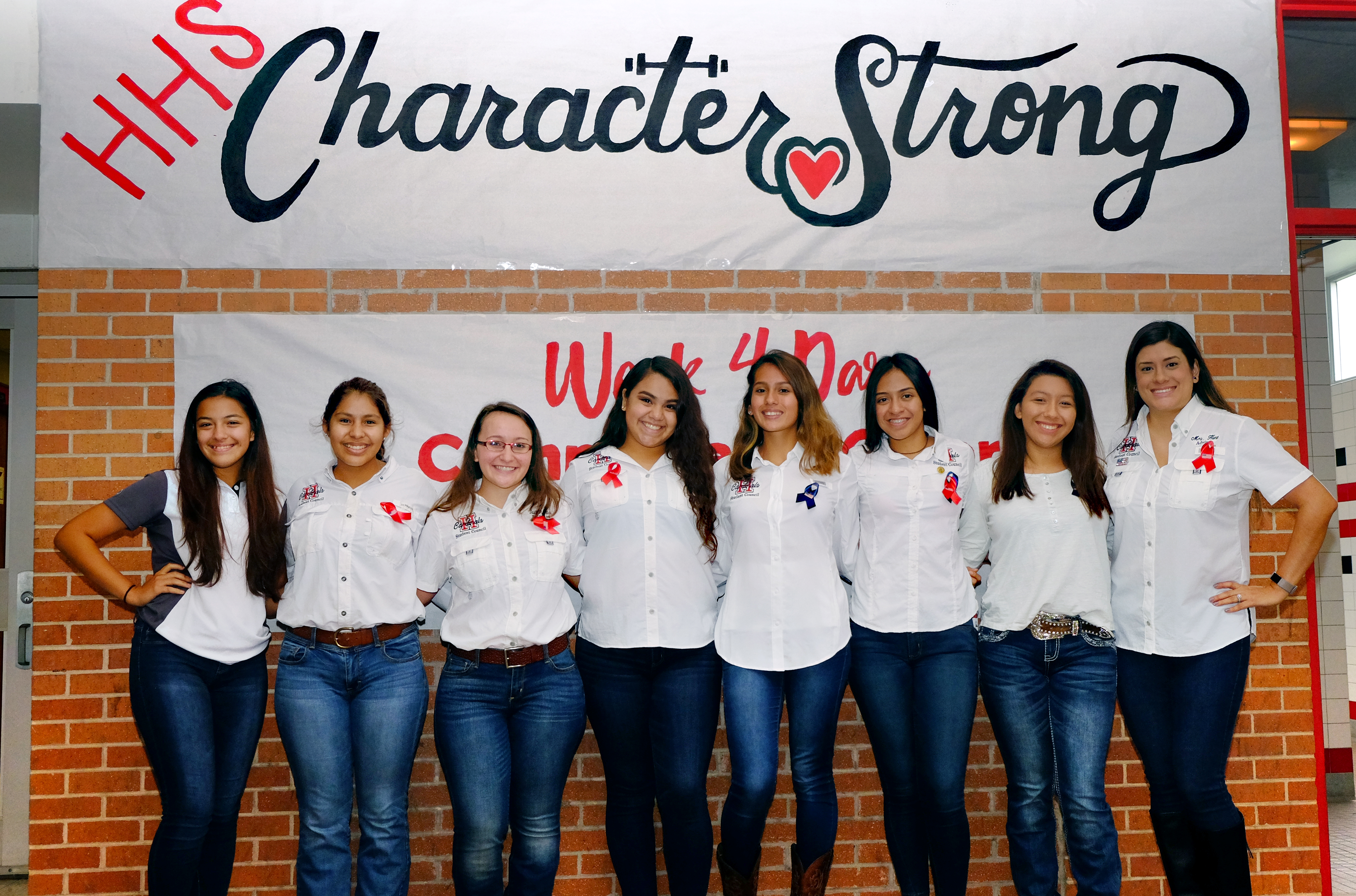 HHS students spread kindness with Character Strong