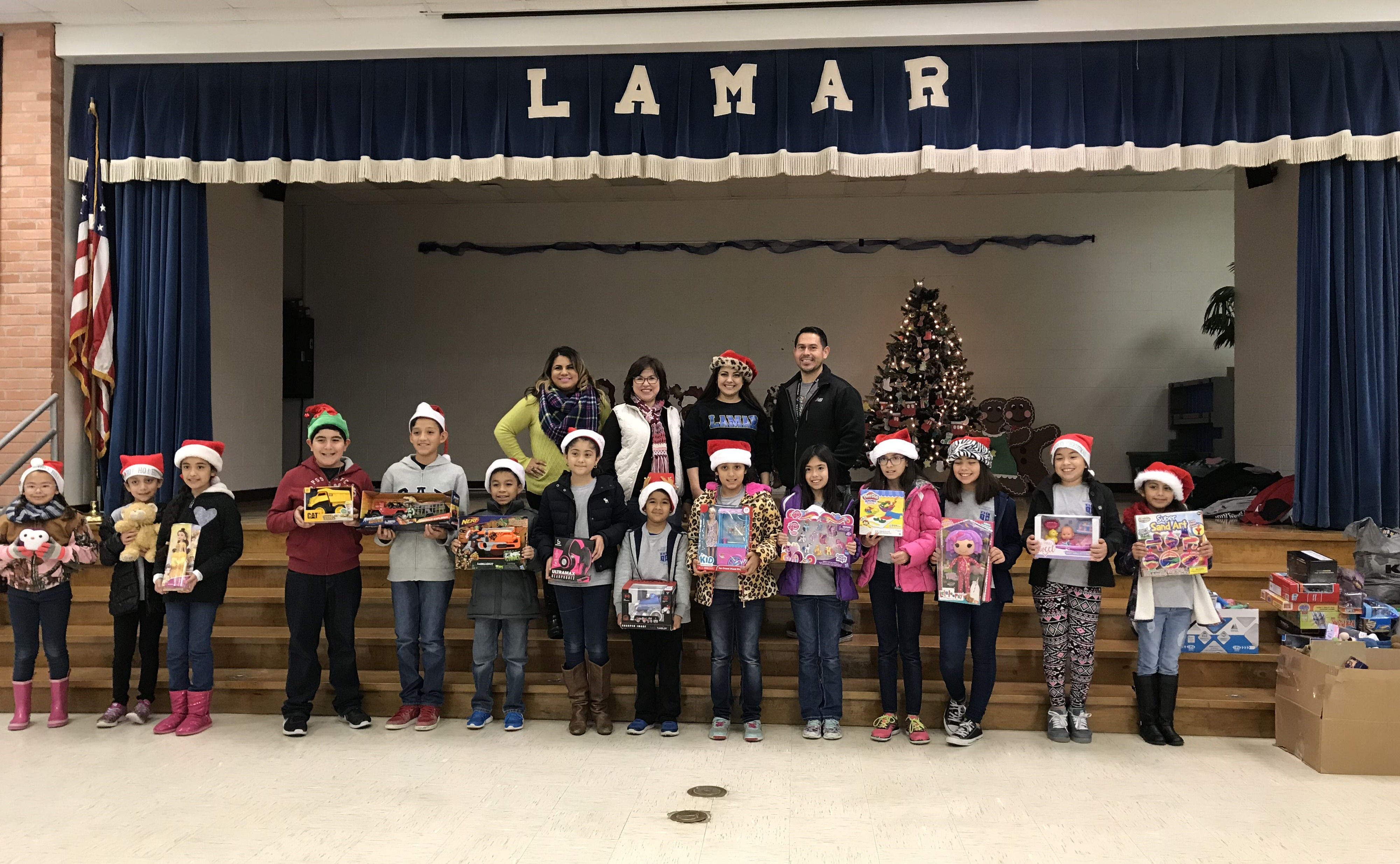 Lamar Elementary students donate over 250 toys