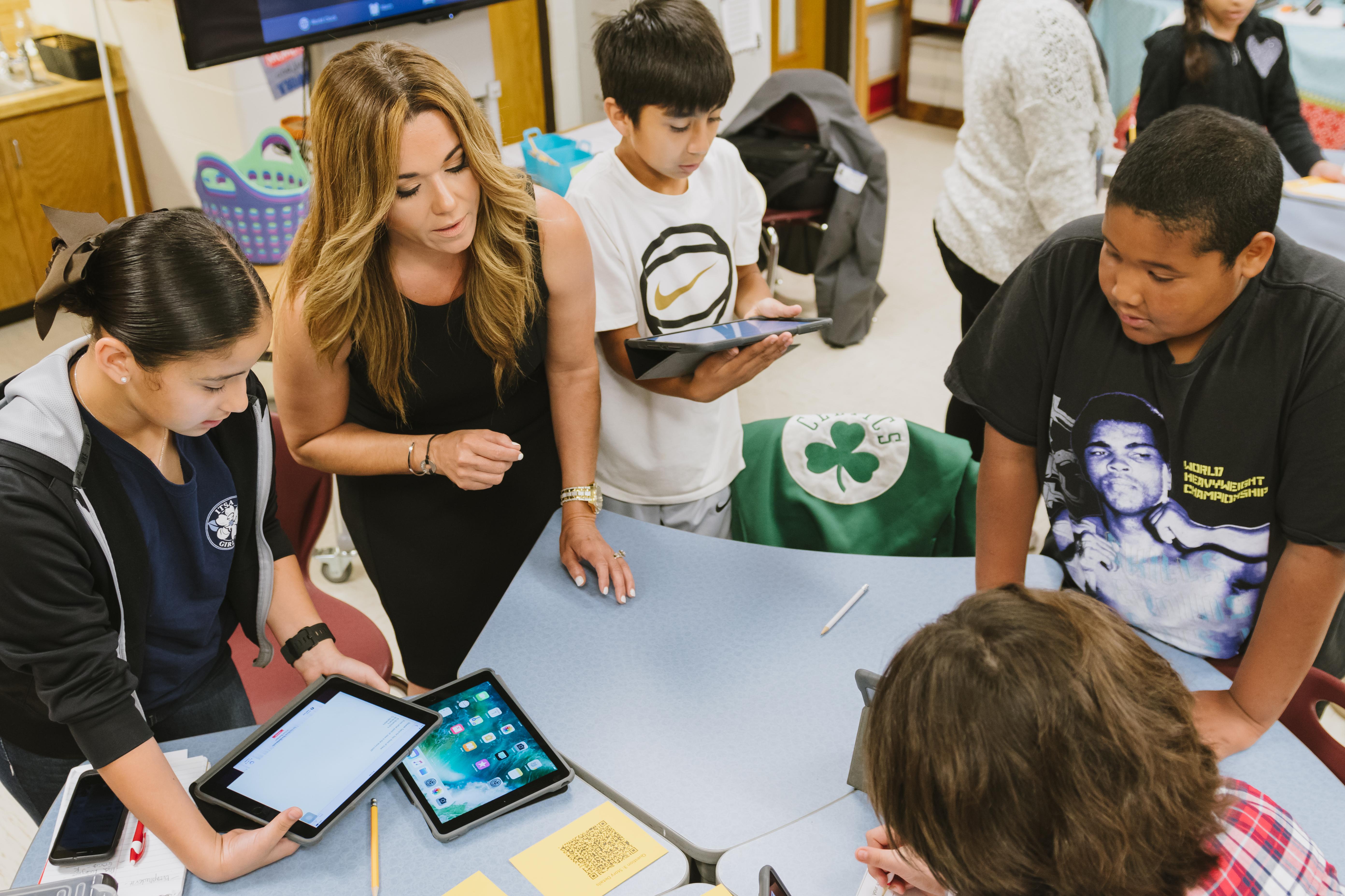 Community members get inside look at Harlingen CISD elementary campuses
