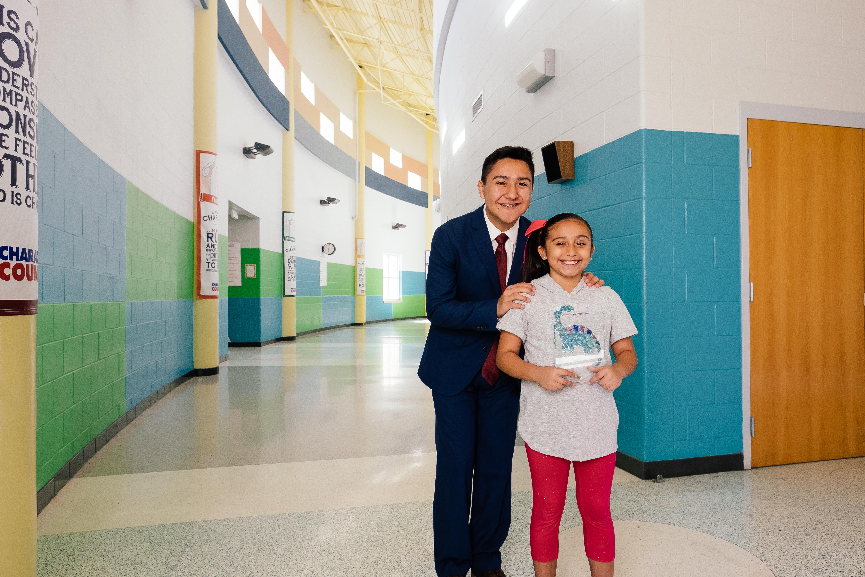 Alumna de tercer grado se lleva el primer lugar en torneo de oratoria en escuela preparatoria.