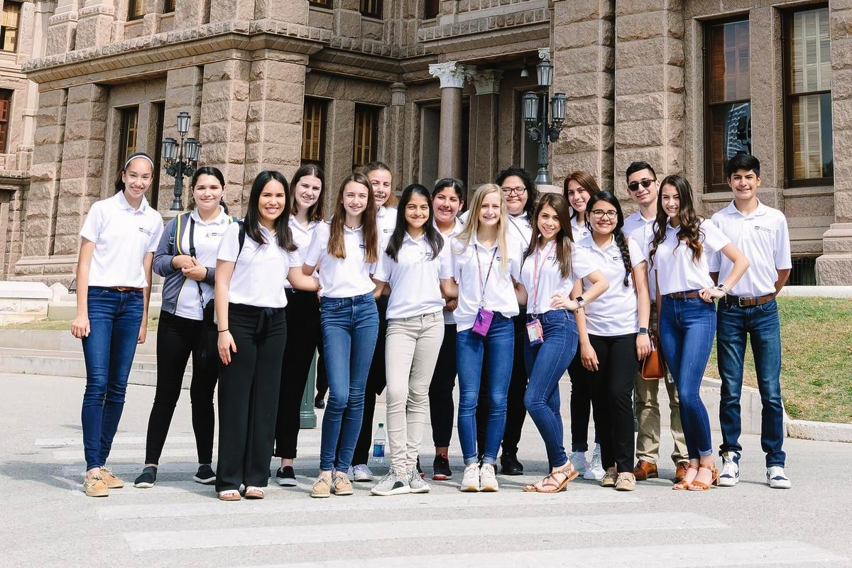 Student leaders visit with state representatives, labor commissioner in Austin