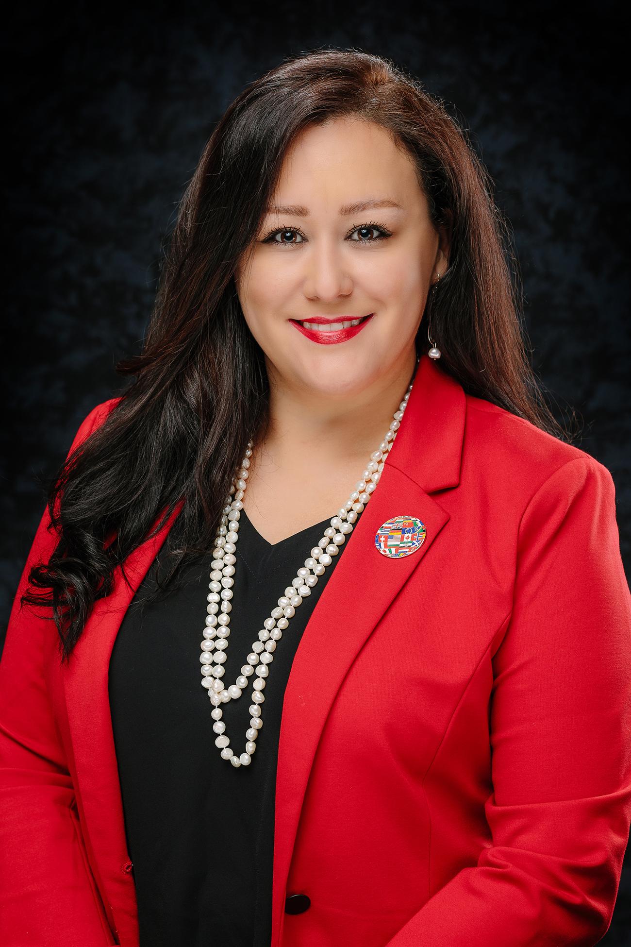 Directora de Vernon es seleccionada como la Directora del Año de Escuelas Secundarias por TASSP Region One.