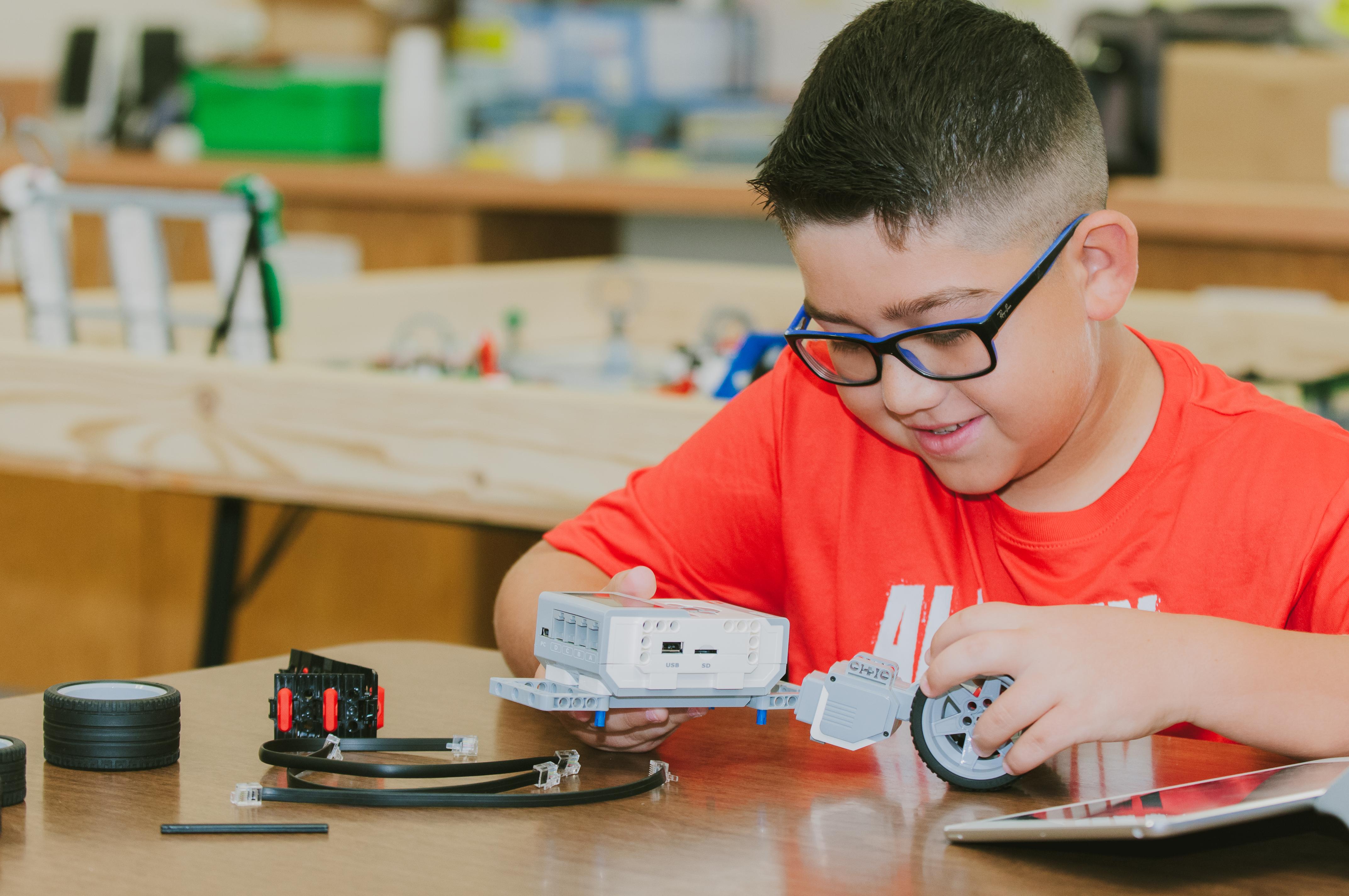 La Escuela Secundaria Gutierrez participará en los retos NASA STEM.