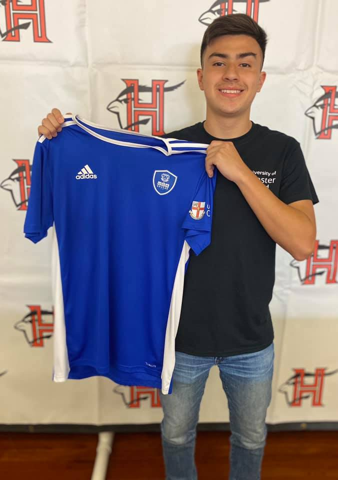 Cardinal signs letter of intent to play soccer in England